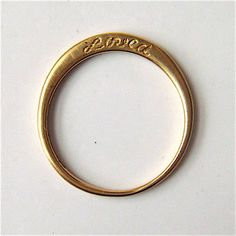 "i thought it said ""River"" and i totally want rings like this with my kids name on them."