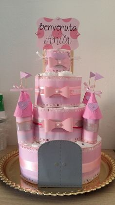 Castello di pannolini personalizzato by Pandora Handmade & Eventi Regalo Baby Shower, Baby Shower Niño, Shower Bebe, Baby Shower Princess, Baby Shower Diapers, Baby Shower Gender Reveal, Baby Shower Gifts, Baby Gifts, Disney Diaper Cake