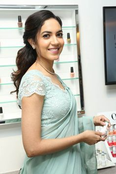 Actress Ritu Varma attdended for the launch event of 'Lincy's Nail Salon' in the beautiful looking saree. Ritu Varma looks traditional in the saree. Sari Blouse Designs, Fancy Blouse Designs, Blouse Patterns, Latest Saree Blouse, Stylish Blouse Design, Saree Photoshoot, Most Beautiful Indian Actress, Beauty Full Girl, Indian Beauty Saree