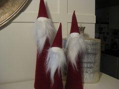 DIY felt Santas