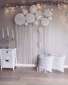 Big dream catcher that decorates the whole wall - amazing! With feathers and flowers # dream catcher # girls room # dreamy # bedroom inspiration Dream Catcher Bedroom, Dream Catcher Decor, Doily Dream Catchers, My New Room, My Room, Custom Wall Murals, Bedroom Decor, Wall Decor, Bedroom Ideas