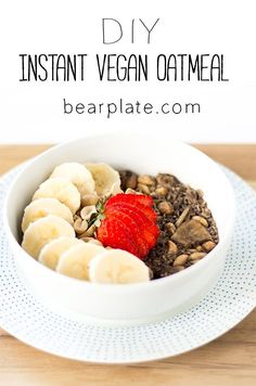 Easy and budget friendly DIY oatmeal packets. Low Carb Vegan Breakfast, Vegan Breakfast Smoothie, Vegetarian Breakfast, Healthy Breakfast Recipes, Vegan Recipes Easy, Brunch Recipes, Vegetarian Recipes, Brunch Ideas, Breakfast Ideas