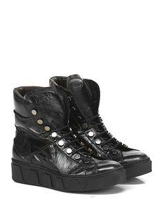 LEMARE' - Sneakers - Donna - Sneaker in pelle laminata con borchie e suola in…