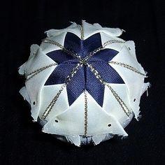 Falešný patchwork, vánoční koule - návod | Moje mozkovna Christmas Crafts, Xmas, Blog, Scrappy Quilts, Noel, Deco, Christmas, Navidad, Blogging