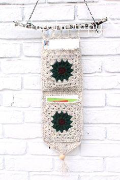 Crochet Wall Organizer: Free pattern
