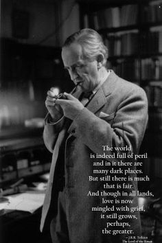 The English writer and philologist, John Ronald Reuel Tolkien, author of the The Hobbit and The Lord of the Rings. Robert Mapplethorpe, Jrr Tolkien, Jr Tolkien Quotes, Tolkien Tattoo, Citations Tolkien, Richard Avedon, Bert Stern, Rock And Roll, O Hobbit