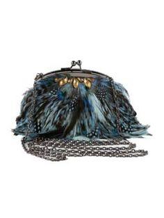 8f4e226e Bolso - clutch realizado en tejido de raso y plumas azules. (alquiler 8 €