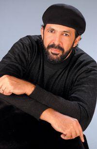 Juan Luis Guerra, twee keer concert bijgewoond, zingen en dansen! Ben dol op zijn muziek. iw