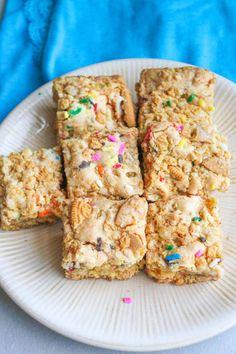 Cookies n Cream Cake Batter Blondies with Golden Oreos.