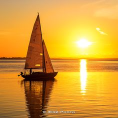 Sailboat leaving early