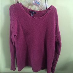 Burgundy sweater long sleeve shirt From forever 21 it's gently used Forever 21 Sweaters Crew & Scoop Necks