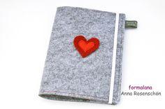 Mutterpasshülle grau rot Herz Woll Filz von formalana * ANNA ROSENSCHÖN * made in Bonn mit ❤❤❤ auf DaWanda.com