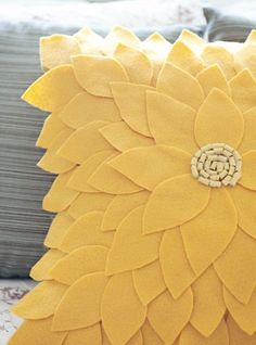 DIY Throw Pillow Projects • Great Ideas & Tutorials! Including this DIY felt sunflower pillow from fab you bliss.