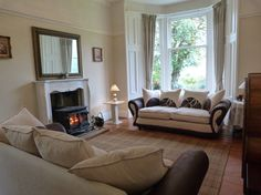 Wonderful Large Holiday Cottage Scotland - 5 bedroom Victorian lochside villa with unique family room, ideal for family and friends. Quality self catering accommodation in the Loch Lomond and Trossachs National Park