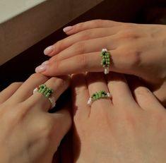 Bead Jewellery, Beaded Jewelry, Handmade Jewelry, Beaded Bracelets, Diy Beaded Rings, Diy Rings, Bracelet Crafts, Jewelry Crafts, Bracelet Making