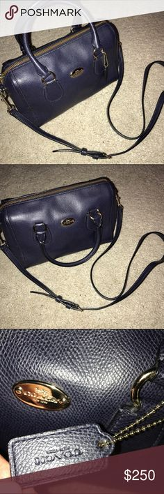 Coach navy purse Coach navy purse. Perfect size for an everyday purse! Comes with cross body strap. Barely worn. In great condition. 10x6x4 Coach Bags