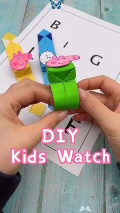 DIY-Kids Watch-How to Make a Kids Watch Toy with Paper  <br> Instruções Origami, Paper Crafts Origami, Paper Crafts For Kids, Craft Activities For Kids, Preschool Crafts, Diy For Kids, Paper Crafting, Diy Crafts Hacks, Diy Crafts For Gifts