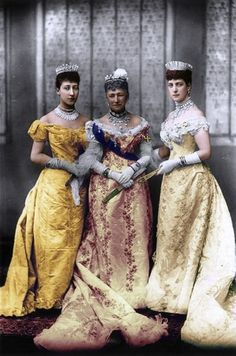 File:Queen Alexandra with Queen Louise and the Duchess of Fife.jpg Queen Alexandra (wearing the Russian Kokoshnik Tiara), with her daughter Louise, Princess Royal (far left wearing the Fife Tiara) and mother Queen Louise of Denmark, all wearing tiaras. Royal Crowns, Royal Tiaras, Princess Louise, Princess Mary, Queen Mary, Queen Elizabeth, Danish Royalty, Royal Jewelry, Diamond Jewelry