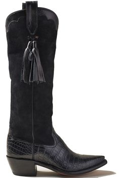 Cowboy Boots Take the Reigns: Western style gone high fashion. Country Concert Fashion, High Fashion, Winter Fashion, Fashion Fashion, Cowboy Boots Women, Tall Boots, Winter Boots, Minimalist Fashion, Western Style