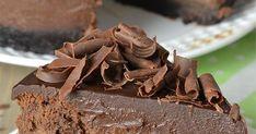 Υλικά Για τη βάση Ενάμιση πακέτο πτι-μπερ με γεύση σοκολάτα 150 γραμμάρια βούτυρο 1 κουταλιά της σούπας πραλίνα (Nutella ή Merenda..