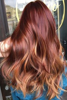 23 Unique Hair Color Ideas for 2018 Are you stuck in a rut with your hair and want to try something new? Then you are in the right place. We have put together 23 unique hair color ideas for The year ahead is full of new colors and cuts that will styl New Hair Color Trends, Hair Color 2018, Red Hair Color, Hair 2018, 2018 Color, Color Red, Hair Trends, Red Ombre Hair, Gorgeous Hair Color