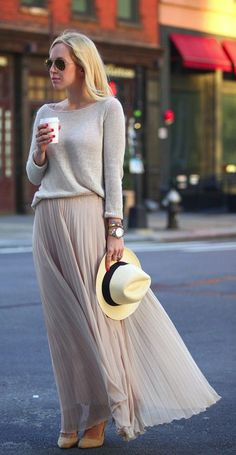 I LOOOVE this outfit! The grey sweater and pleated maxi skirt are soo VERY chic…