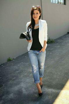 https://urbanglamourous.wordpress.com/2017/10/16/tendencia-blazer-branco/ #blazer, #Branco, #destacarasimplicidade, #elegância, #Look, #mulhercomcarisma, #mulherdeforça, #outfit, #peçachave, #peçaessencial, #Tendência