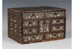 A late 17th/early 18th Century Indo-Portuguese box