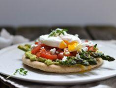 Poached Egg on Roasted Asparagus & Creamy Avocado by atastylovestory #Savory_Breakfast #Egg #Avocado #Asparagus