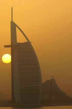 10 Things To Know Before Visiting The UAE | Sunset Over the Burj Al Arab and Jumeriah Beach
