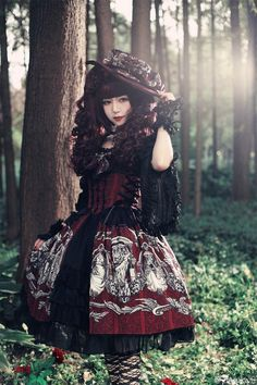 Can You Wear Lolita Dress on Halloween? This is the Best Answer I Have Read!:You just can't wear everyday lolita fashion as a costume. Harajuku Fashion, Kawaii Fashion, Cute Fashion, Asian Fashion, Fashion Clothes, Rock Fashion, Style Fashion, Fashion Women, Fashion Dresses