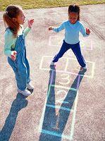 Espacios de juego en casa: juego de rayuela o golosa, para interior  o exterior