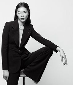 Top model Liu Wen poses for Well Suited story coming from the pages of the May 2014 edition of WSJ. Magazine captured by fashion photographer Daniel Riera. Liu Wen, Fashion Model Poses, Fashion Photography Poses, Editorial Photography, Photography Tips, Studio Photography Poses, Photography Hashtags, Popular Photography, Photography Accessories