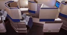 Can United Airlines' Polaris Compete As the Best Business-Class Service In The World? Airplane Interior, United Airlines, Business Class, Automotive Design, Good Job, Travel Style, Family Travel, Innovation, The Unit