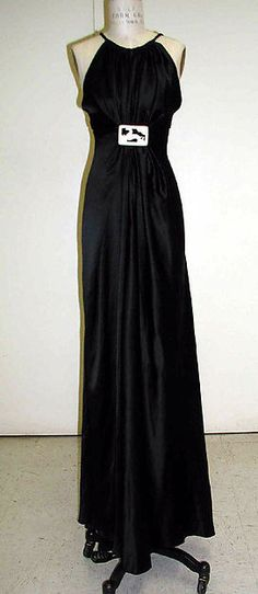 Evening dress (image 1) | Madeleine Vionnet | French | 1936-37 | Metropolitan Museum of Art | Accession Number: C.I.52.18.2