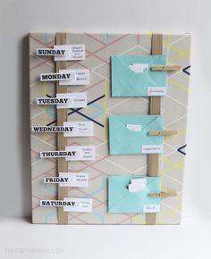 Mahlzeit Plan Board DIY (The Paper Mama) - New Ideas - Planer board - Chicken Sandwich Papier Kind, Diy Papier, Dollar Store Hacks, Dollar Stores, Planer Board, Meal Planning Board, Moist Pumpkin Bread, Memo Boards, Budget Planer