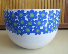 ARABIA FINLAND FINEL Blue daisy large enameled bowl
