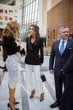 13 September 2017 - King Abdullah and Queen Rania attend the opening of the King Hussein Cancer Center's new expansion in Amman - trousers by Alexander McQueen, shoes by Dior, bag by Fendi Fashion D, Office Fashion, Royal Fashion, Fashion Outfits, Womens Fashion, Queen Rania, Queen Letizia, Classy Outfits, Chic Outfits