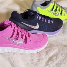 Nikes -womens nike shoes, nike free runs, nike air max running shoes, nike sneakers Best Sneakers, Nike Sneakers, Nike Shoes, Women's Shoes, Fashion Advice, Fashion News, Fashion Trends, Celebrity Casual Outfits, Spring Handbags