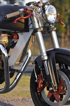 Bucephalus Triumph Custom Motorcycle 2 740x1110 Bucephalus by Loaded Gun Customs