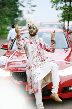 Wedding Function Outfits Inspiration for groom. Heavy floral embroidery or a minimal floral print sherwani for wedding outfit. Wedding Dresses Men Indian, Wedding Outfits For Groom, Wedding Dress Men, Wedding Groom, Wedding Sherwani, Sherwani Groom, Groom Wear, Groom Outfit, Indian Groom