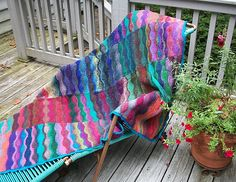 Lizard Ridge - Afghan (version 1) knit in multicoloured squares (US8-10/5-6mm.) - free pattern by Laura Aylor