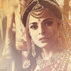 Aishwarya Rai Young, Middle Eastern Makeup, Pooja Sharma, Vintage Bollywood, Krishna Images, Stylish Girl Images, Hindu Art, Hinduism, Girls Image
