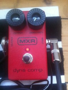 MXR Dynacomp. Classic compressor pedal.