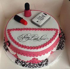 Pretty little liar cake