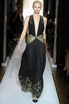 Yves Saint Laurent Spring 2012 - Paris Fashion Week