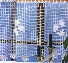 Je décore la maison avec ce rideau très aérien, garni de fleurettes et facile à réaliser. Il se travaille de gauche à droite ou de droite à gauche, si vous préférez. Détail des fleurs. Vous pouvez accéder aux explications et grilles de ce modèle gratuit...