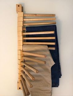 Keep your pants looking your best and your closet fully organized. Simply install this practical wooden rack on the wall of the cabinet or on the back of a door to store up to 15 pairs of trousers in an orderly and efficient manner.  Mounted on the wall Design to save space, it is beautiful, easy to Diy Wardrobe, Wardrobe Design, Wall Design, House Design, Pants Rack, Wooden Rack, Diy Inspiration, Closet Designs, Closet Bedroom