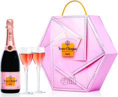 Buy Veuve Clicquot Rosé Collection Flute Gift Set from our Gift Food & Alcohol range at John Lewis & Partners. Veuve Cliquot, Artisan Chocolate, Wild Strawberries, Rose Gift, Moet Chandon, Pink Drinks, Christmas Gift Guide, Christmas Gifts, Sparkling Wine