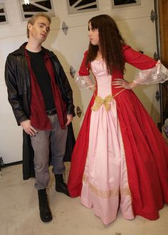 Spike and Buffy | Buffy the Vampire Slayer Cosplay...i love this...the episode they are doing is one of my favs!!!!